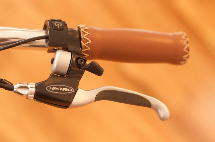Vegan leather grips with Tektro comfort brake levers & integrated bell